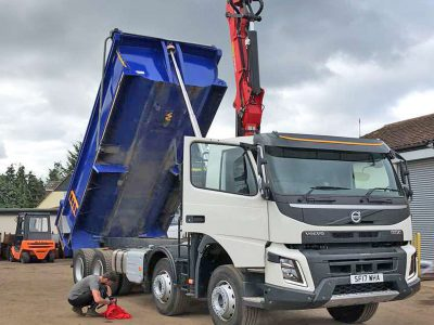 Active Grab Lorry